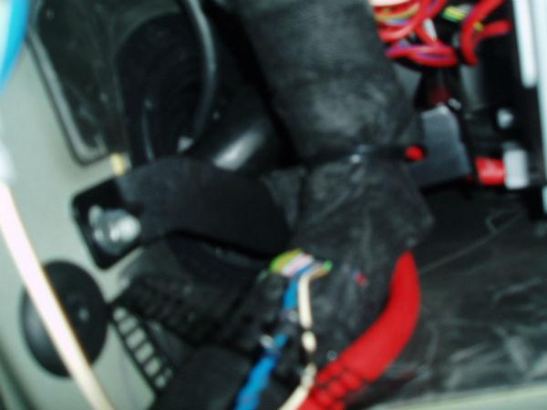 06 Detail Sicherungskasten%20Kabelbinder