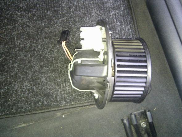 Bmw Klimaluefter Quietschen Beseitigen E90 Faq De 4